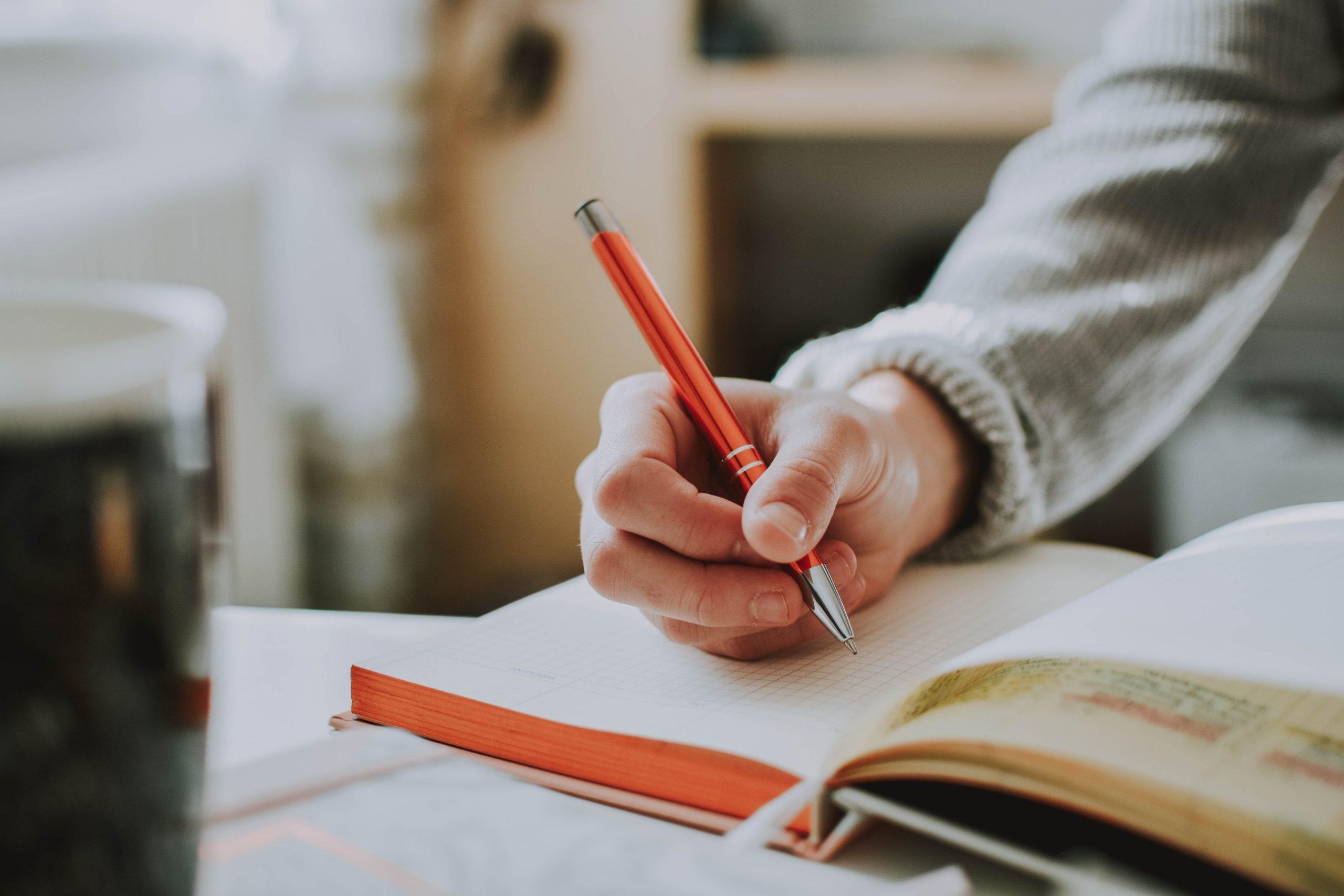 Ein Bullet Journal zu führen, kann beim Verändern von Gewohnheiten helfen